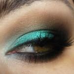 Passo a Passo: Como usar sombra verde esmeralda?