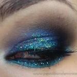 Delineador com glitter da Yes Cosmetics