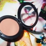 O blush salmão Immortal Flower da MAC