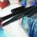 Os lápis de olho azuis da Avon