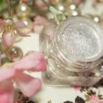 O brilho Toque de Cristal da coleção Pausa para Feminices