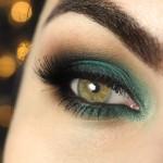 Tutorial - Maquiagem com sombra verde esmeralda