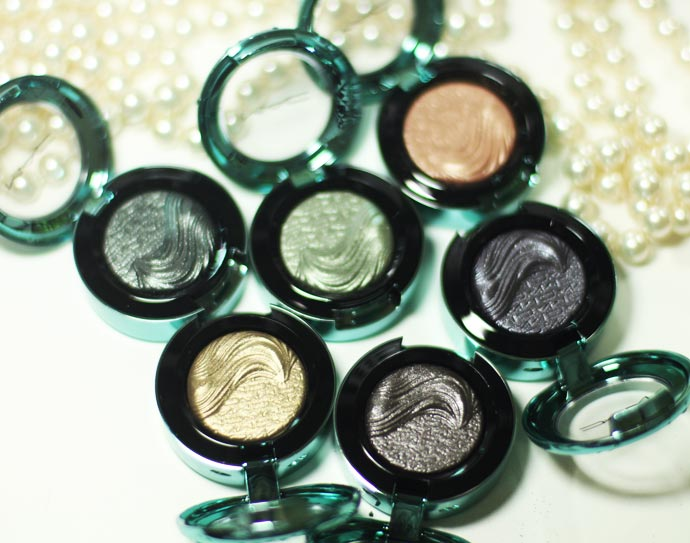 Alluring-Aquatic-Extra-Dimension-Eyeshadows-01