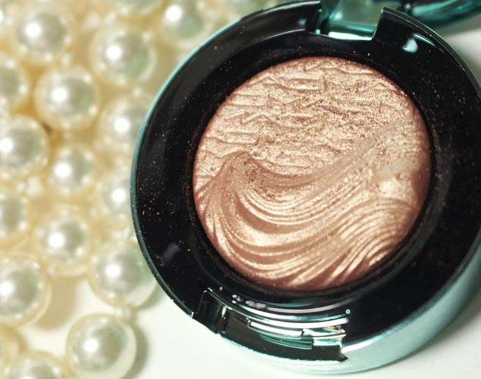 Alluring-Aquatic-Extra-Dimension-Eyeshadows-10