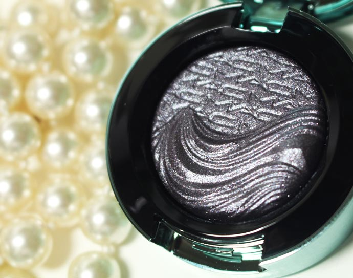 Alluring-Aquatic-Extra-Dimension-Eyeshadows-12