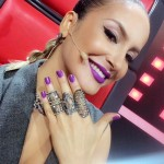 O batom e o esmalte roxo da Claudia Leitte no The Voice