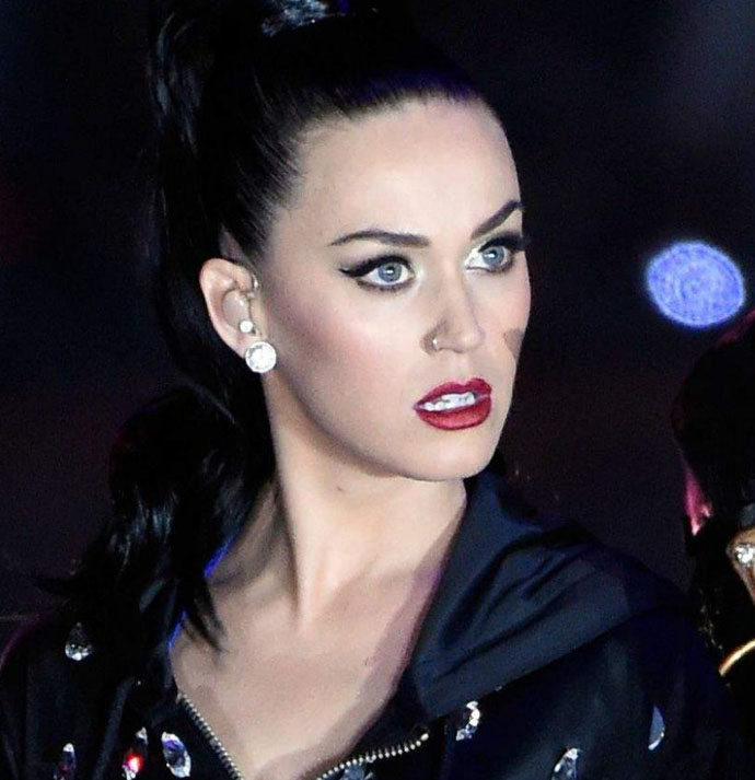katy-perry-performs-at-superbowl-xlix-halftime-show_4
