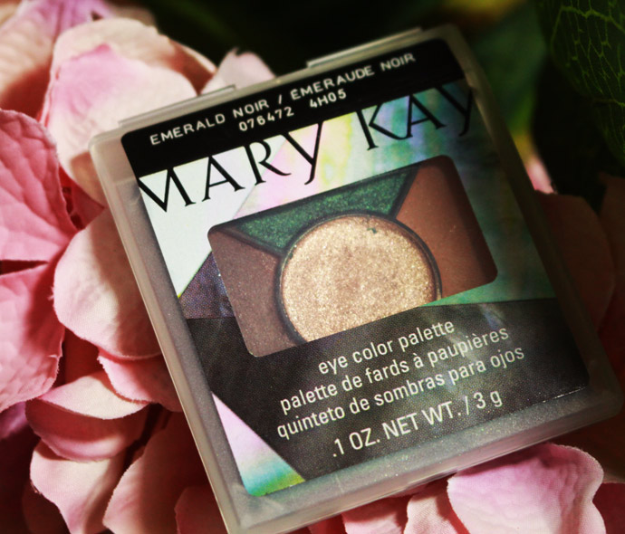 Emerald-Noir-mary-kay-04