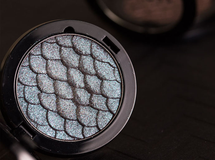Sephora-Colorful-Duo-Reflects-Mermaid-Tail