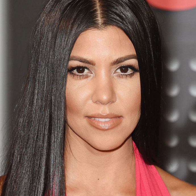 kourtney-kardashian-at-mtv-video-music-awards-2015