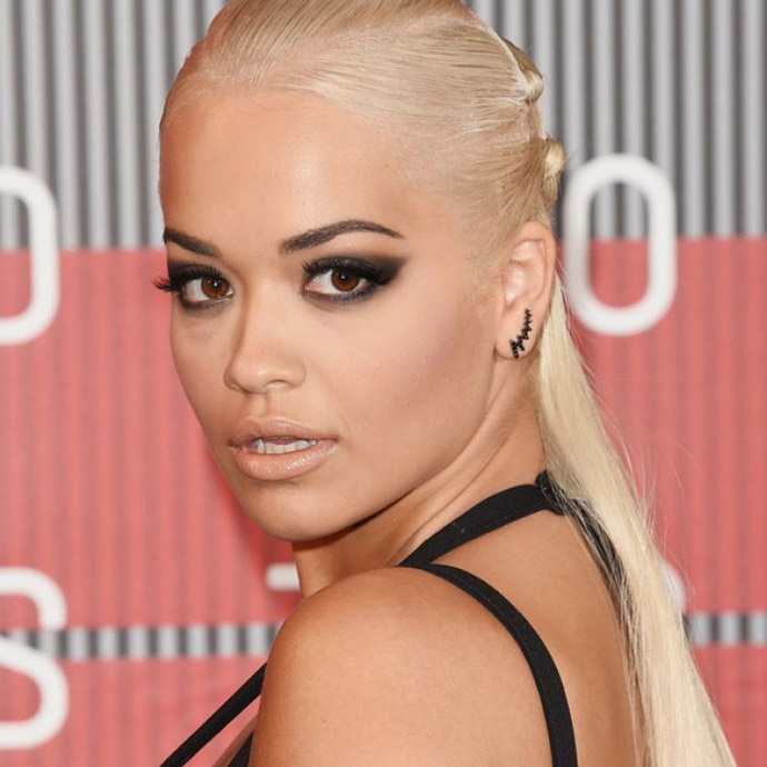 rita-ora-at-mtv-video-music-awards-2015