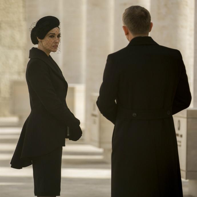 Bond girls que marcaram época na franquia 007 (7)