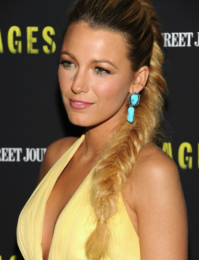 Blake-Lively-accented-her-yellow-gown-gorgeous-braid