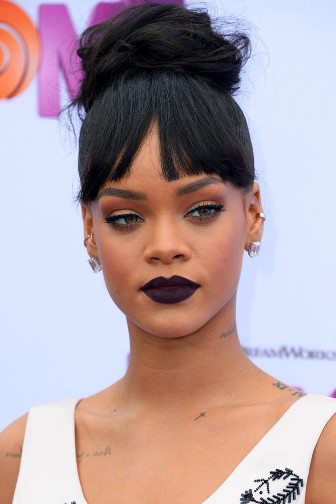 rihanna-dark-lips-bad-girl