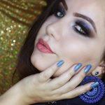 MAKE Azul Favorita com BATOM FELIZES PARA SEMPRE