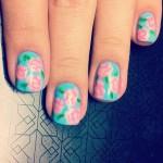 Como aplicar o extra brilho sem estragar a nail art por Melissa Menezes