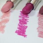Batom Color Effect nas cores: Romantique, Açaí e Vintage de Contém 1g