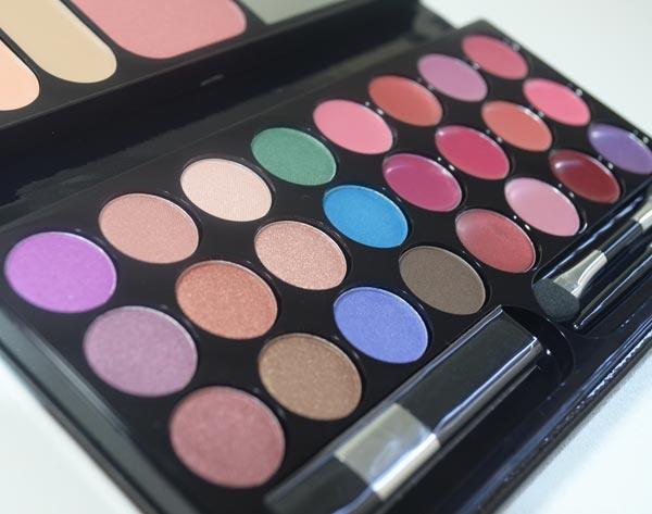 palette-de-maquiagem-black-crystal-o-boticario-02