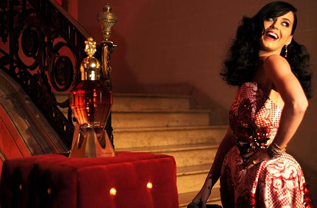 katy-perry-killer-queen-03