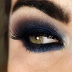 Tutorial - maquiagem azul marinho com a paleta Pausa para Feminices