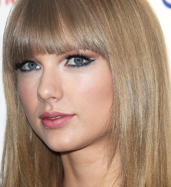 Taylor Swift é sagitariana do dia 13/12.