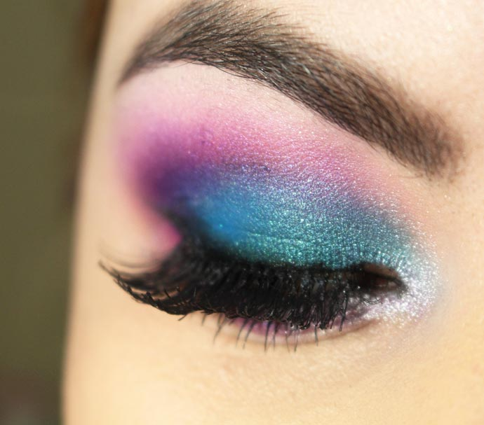 electric-urban-decay-makeup-01