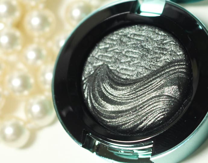 Alluring-Aquatic-Extra-Dimension-Eyeshadows-06