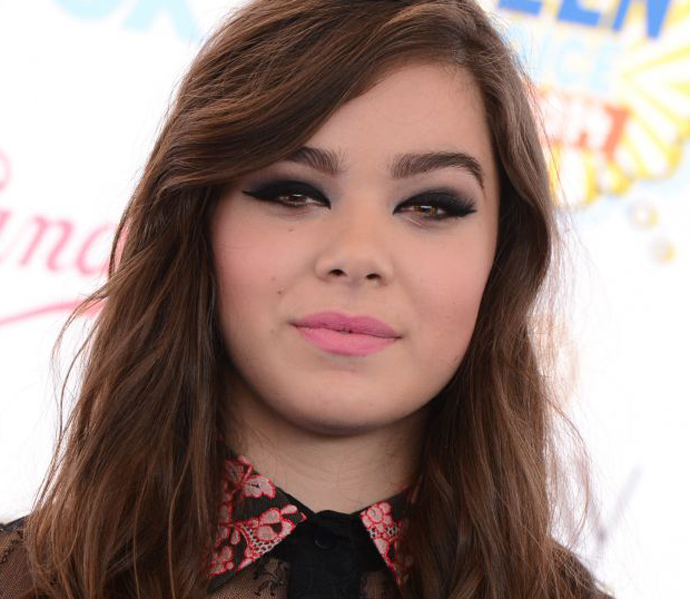 hailee-steinfeld-teen-choice-awards-2014-in-los-angeles_1