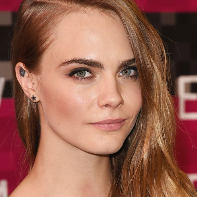 cara-delevingne-at-mtv-video-music-awards-2015