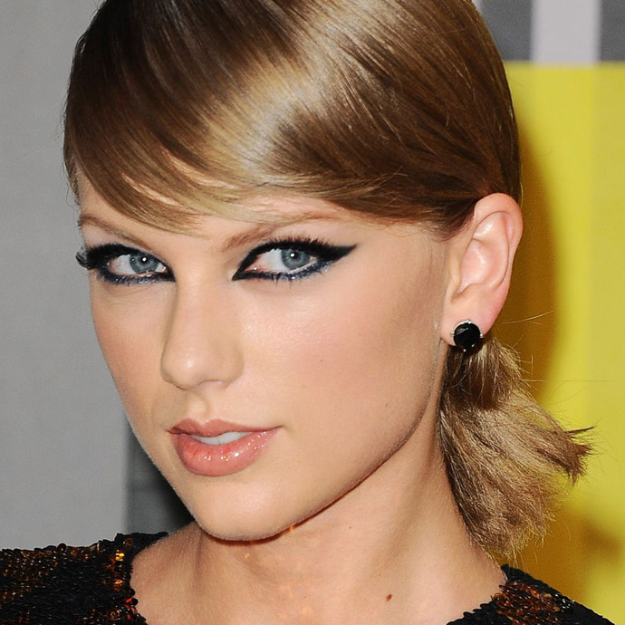 taylor-swift-at-mtv-video-music-awards-2015