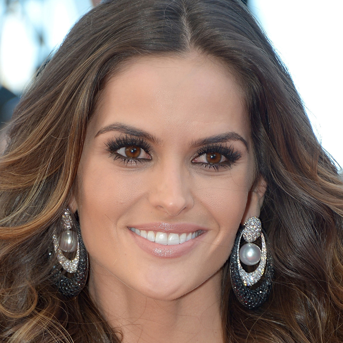 Izabel Goulart é escorpiana do dia 23/10