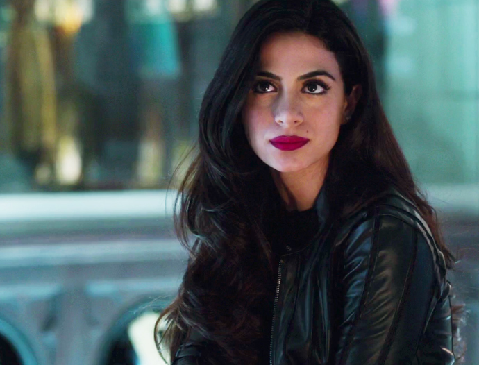 izzy-batom-shadowhunter-01