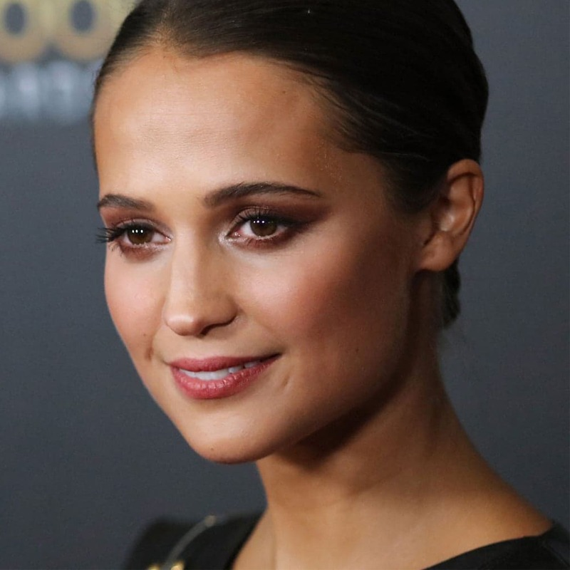 Alicia Vikander é libriana do dia 03/10