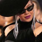 O batom roxo da Beyoncé no Grammy 2018