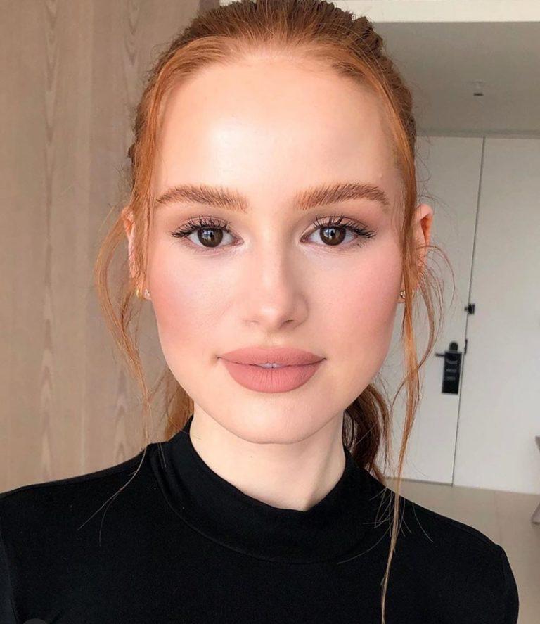 As maquiagens de Madelaine Petsch: inspire-se com o batom