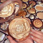O Iluminador Em Formato De Rosa Da Huda Beauty